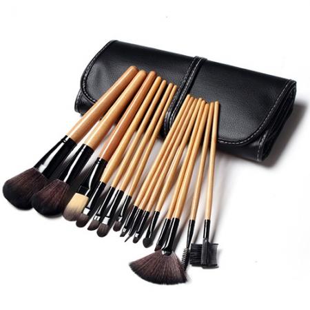 Набор профессиональных кистей для макияжа в чехле